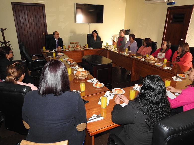 MUJERES COLABORADORAS DE LA SECRETARÍA EJECUTIVA DE LA ICMSJ PARTICIPAN DE CONFERENCIA SOBRE ACOSO SEXUAL